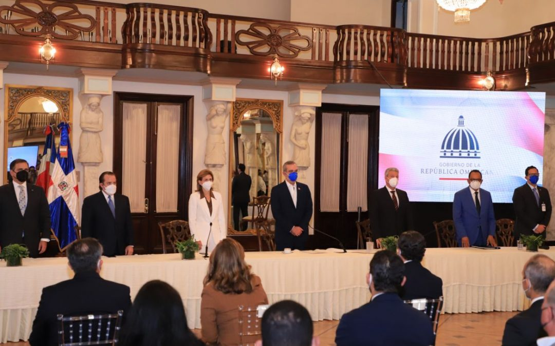 Presidente Abinader resalta importancia de alianzas público-privadas en el desarrollo de proyectos